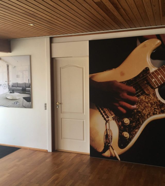 Akustikramme i showroom